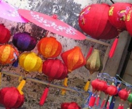 Colourful lanterns for sale in Hoi An( photo: Natasha von Geldern) - Vietnamtravelblog