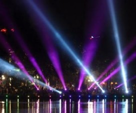 Light show in Hoan Kiem lake in Hanoi - Vietnamtravelblog