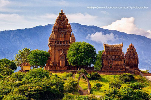 Cham Tower Ninh Thuan - Vietnam central tours